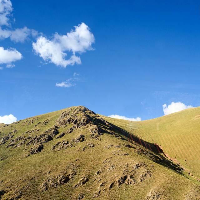 bluesky-clouds-hill-ichu-landscape-fujifilm_xe1-fujinon35mmf14-fujifilm_xseries_25744280656_o